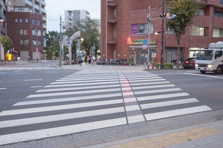 2.くすりの福太郎様を通過して直進してください